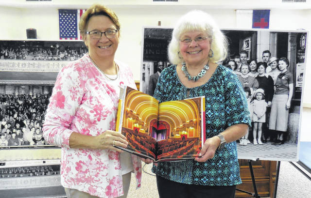 From left are English Club President Jean Singleton with Jennifer Hollon.