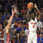 Capsules: No upsets among Top 25