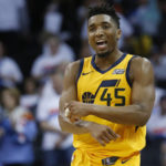 NBA Roundup: James leads Cavaliers past Pacers; Jazz top Thunder