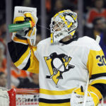 NHL Roundup: Crosby helps Penguins beat Flyers 5-0 for 3-1 series lead