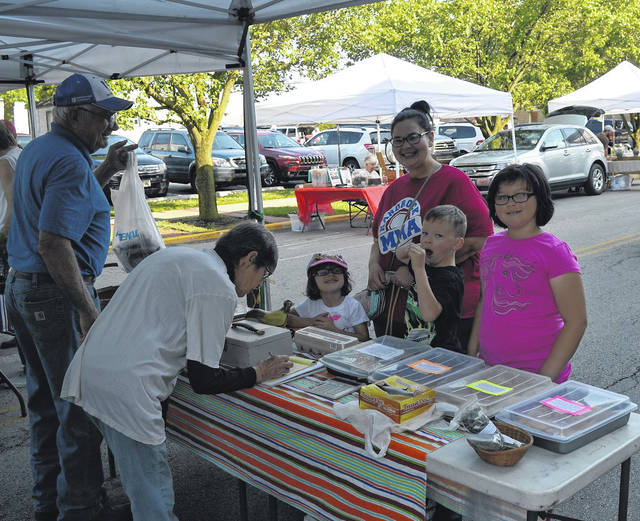 The sun came out for a nice morning Saturday at the weekly Summer Farmers Market on Mulberry Street in Wilmington.