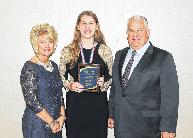 From left are: Beth Justice, Superintendent of the SOESC; award recipient Heather Fryman; and Chris Keylor, 2018 Chairperson from the Ohio Education Service Center Association.