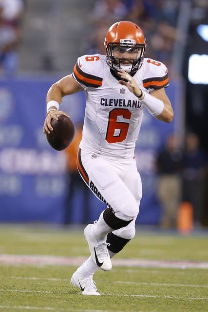 Cleveland Browns quarterback Baker Mayfield (6) looks to pass during the first half of a preseason NFL football game against the New York Giants, Thursday, Aug. 9, 2018, in East Rutherford, N.J. (AP Photo/Adam Hunger)
